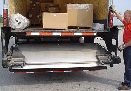 retail residential delivery lift gate
